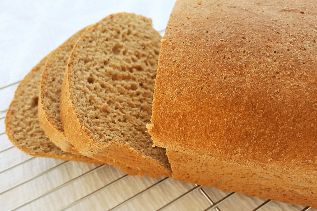 honey whole wheat bread-featured image